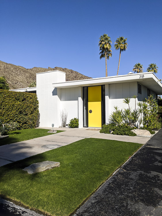 Designed in 1964, this is truly an iconic Palm Springs midcentury modern home and we were so lucky to stay there. Click to see some of my favorite angles of this home.