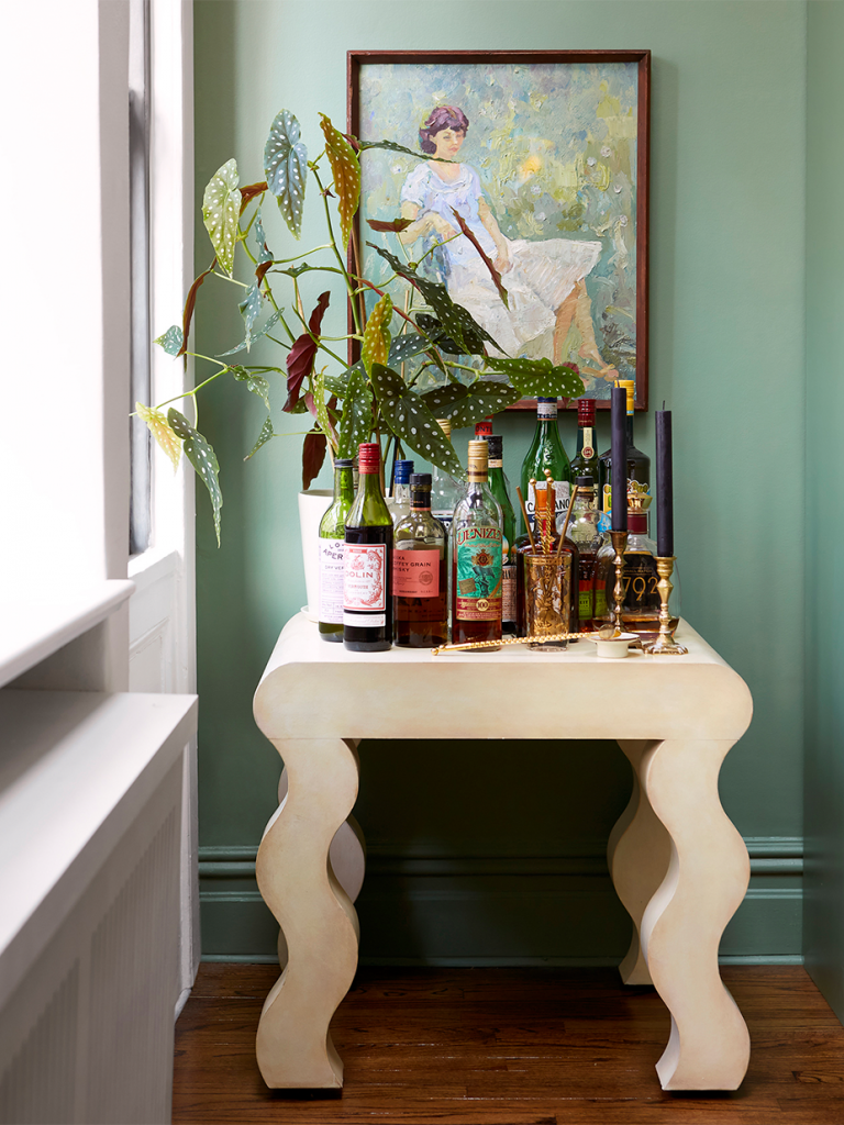 After an era of midcentury-inspired straight lines, the trend is swinging more to 80s rounded shapes and curved silhouettes! Click to shop these arch cabinets, curved shelves, wiggly tables, and dome lamps for your home.