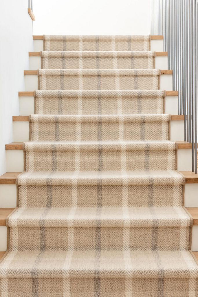 These plaid stairs are so inspiring—would you dare to try this look??