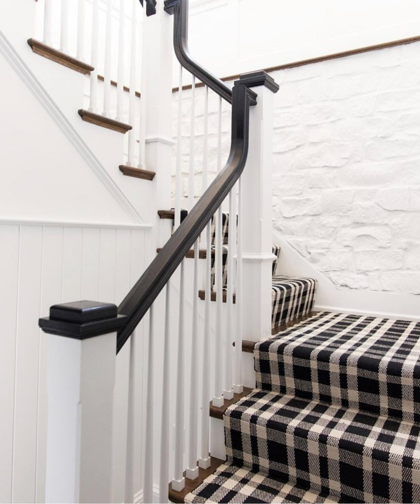 I'm loving the plaid carpet look on the stairs, how about you? Click to see more inspiration and tell me if you'd try this look.
